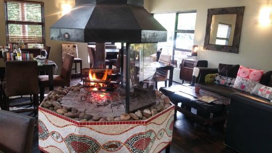Zucchini Restaurant : Warm Fireplace in Winter