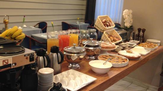 Somma Lombardo, إيطاليا: buffet breakfast