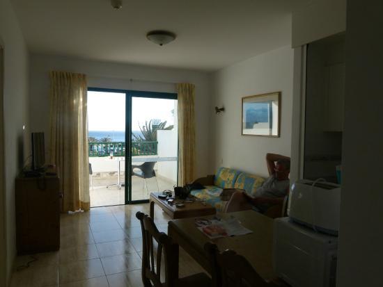 Apartamentos Galeon Playa: living room