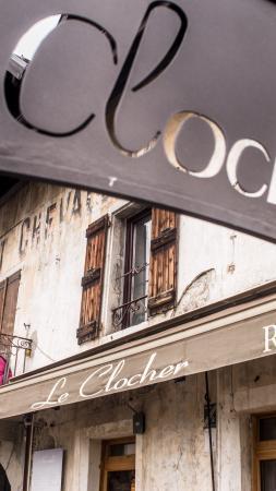Le Clocher: la facade