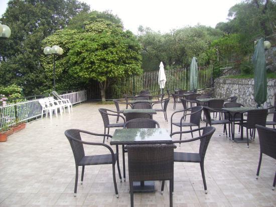 Hotel Mediterraneo : Terrazzo esterno