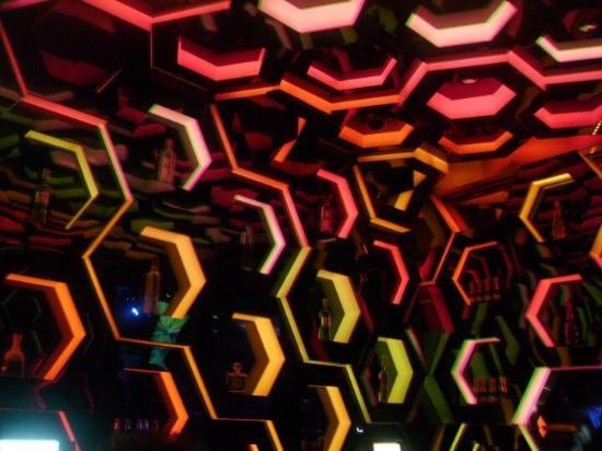 Moon Nightclub: Red Yellow