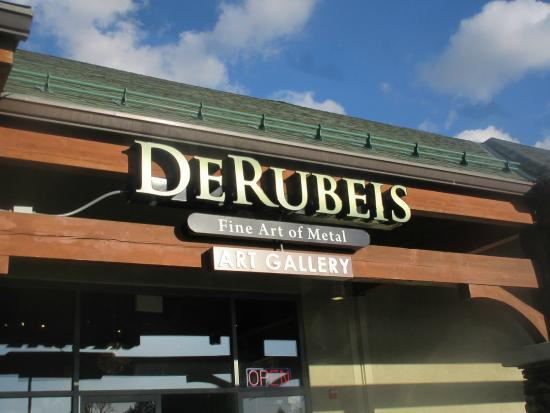 ‪DeRubeis Art Gallery‬