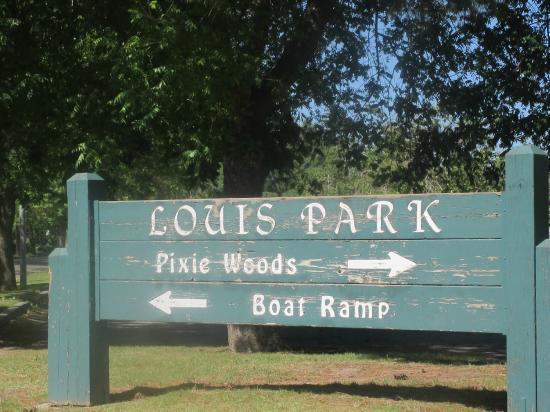 Pixie Woods - Louis Park