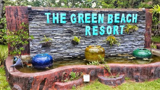 The Green Beach Resort: Decorative garden sign