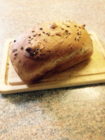 The Pendennis Guest House: Home made spelt and sunflower bread