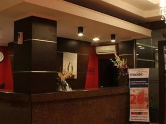 Zahra Syariah Hotel Kendari: hotel zahra syariah kendari