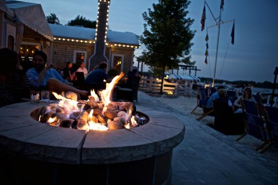 Pier 290 Restaurant: Enjoy a Cocktail by the Outdoor Fire Pits