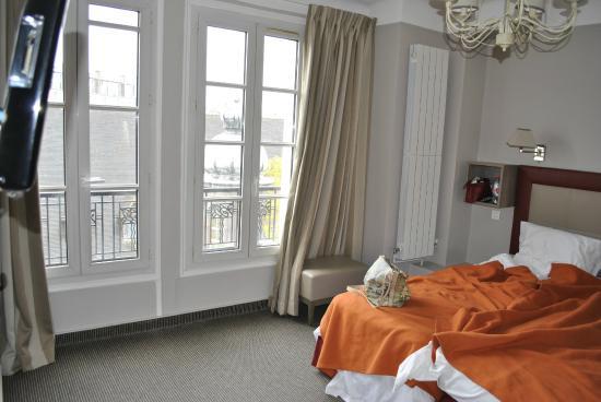 Hotel Saint Pierre: номер просторный