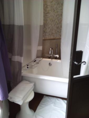 salle de bain romantique - Photo de Hotel & Spa La Belle Juliette ...