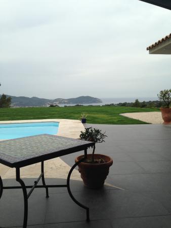Au bord de la piscine picture of b b villa padi la for Au bord de la piscine