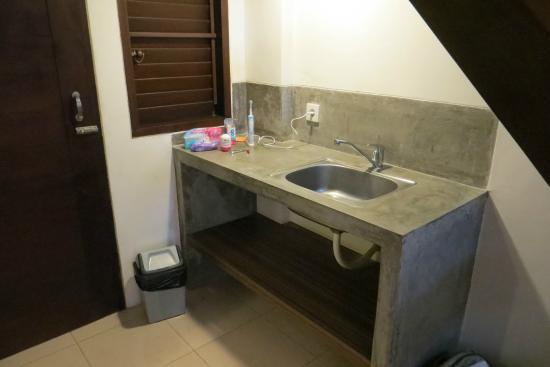 Wash-basin stands outside bathroom, no mirror - Picture of Ganga ...