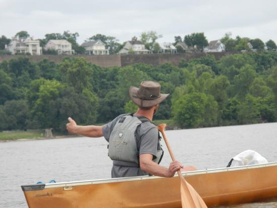 Natchez, MS: Adam tells all about the homes overlooking the river.