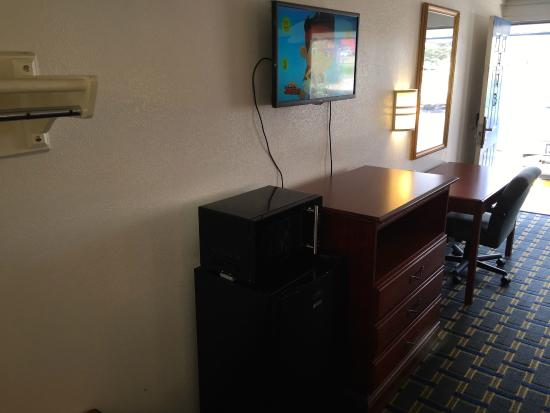 Knights Inn Hilliard/Columbus: Queen Room with Two Queen Beds - Non-Smoking