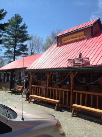 Lowell, VT: Cajun's snack bar
