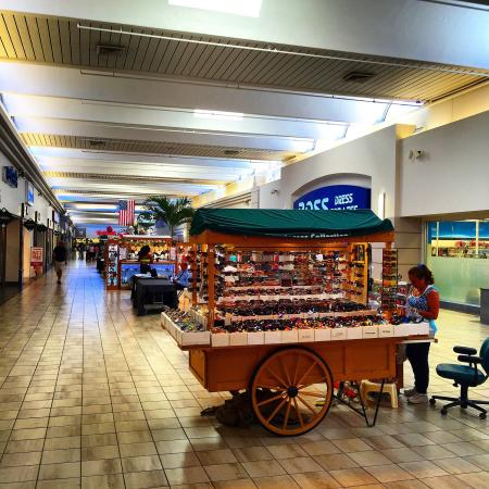 Coral Ridge Mall - Picture of Coral