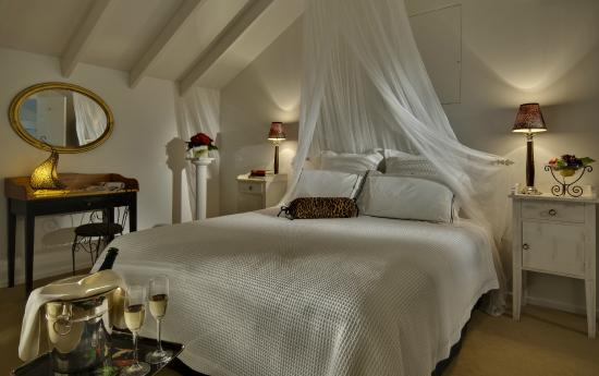 The Peppertree Luxury Accommodation: Dormer room (King bed)