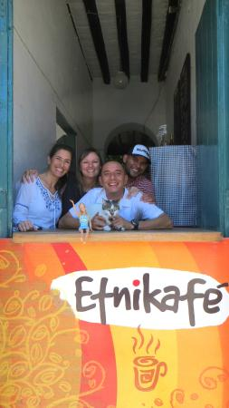 Casa Etnika : The helpful, awesome staff at Cafe Etnika, and the kitty!