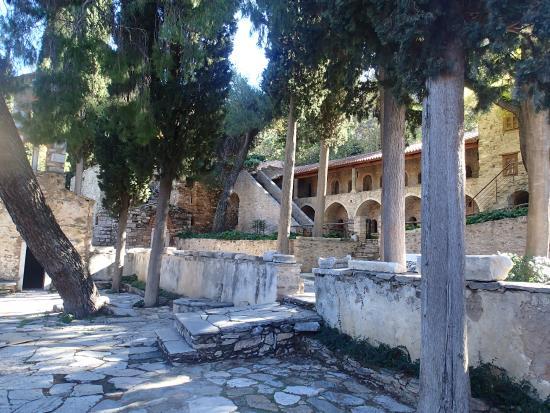 Μονη Καισαριανης - Picture of Kaisariani Monastery ...