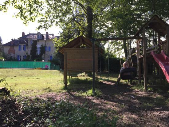 Le Pavillon de St. Agnan: Part of playground