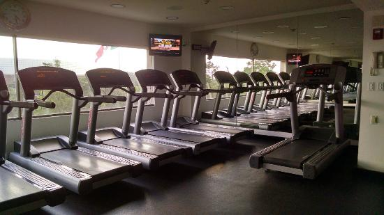 the gym picture of intercontinental presidente mexico. Black Bedroom Furniture Sets. Home Design Ideas