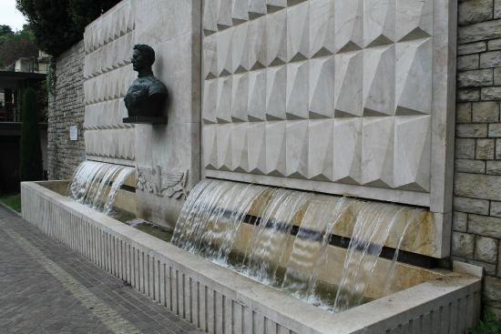 Fontana ad Antonio Locatelli: На пути к верхнему городу