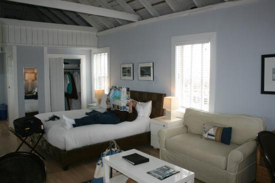 The Cottages at Nantucket Boat Basin: We had the Crows Nest Loft