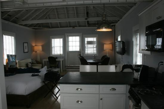 The Cottages & Lofts at The Boat Basin: Very Spacious with full kitchen