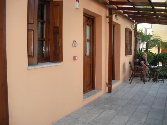 Iapetos Village: Room 14