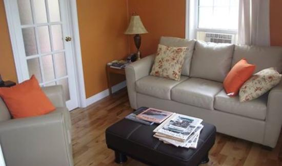 The Poplar B&B: Private Sitting Room