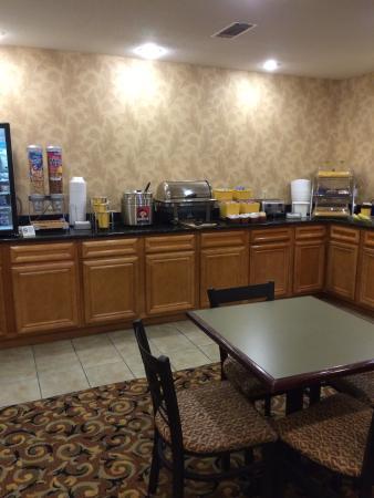 Days Inn Lonoke: Dining area