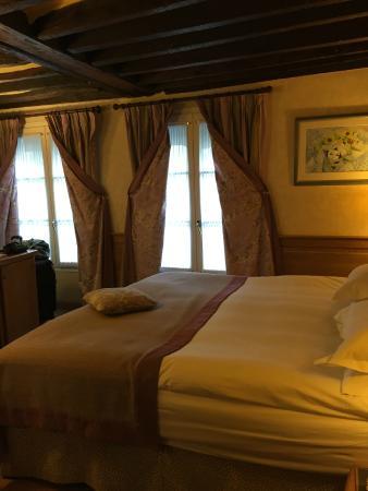 Hotel La Perle: room pic