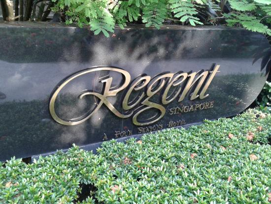 Regent Singapore: Hotel board