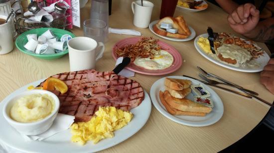 Thunderbird Restaurant: Ham