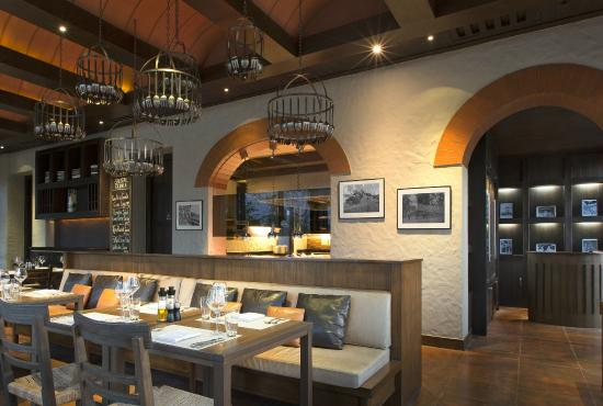 Favola at Le Meridien Chiang Rai Resort : Favola Dining