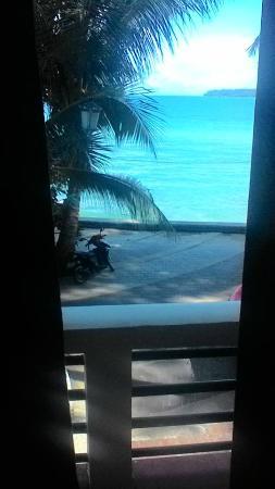 Benjamin Resort: Вид на пляж из номера