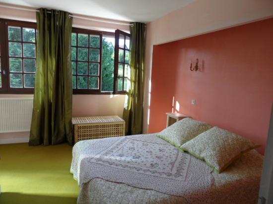 les hauts de dordogne beaulieu sur dordogne france voir les tarifs et avis chambres d 39 h tes. Black Bedroom Furniture Sets. Home Design Ideas