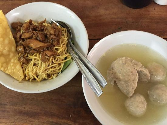 Hasil gambar untuk Mie Ayam Bakso Yunus Tebet, Jakarta Selatan