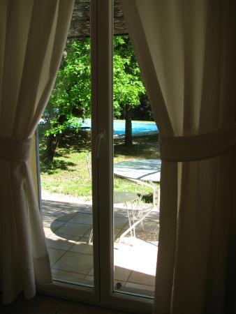 Le Clos des Cigales : vista sul giardino