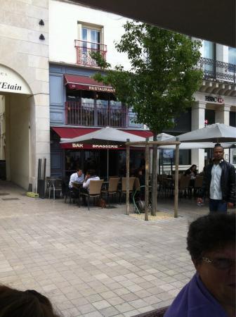 Cafe du theatre poitiers 3 place du mar chal leclerc for Leclerc poitiers