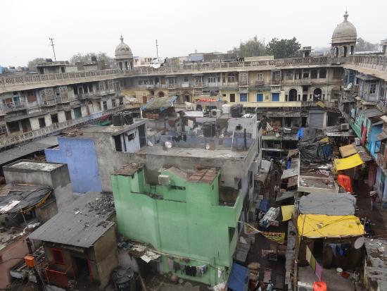 Salaam Baalak Trust City Walk: the spice market from a rooftop