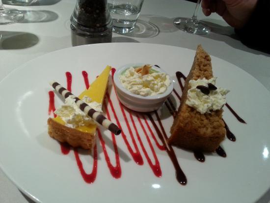 Breezes on Como: tio dessert plate