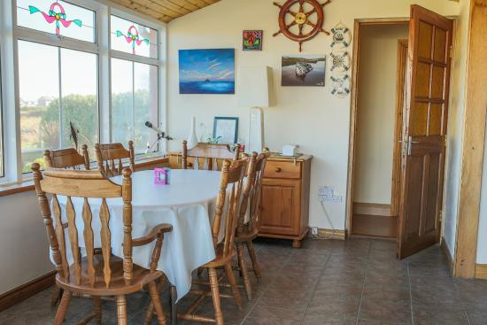 Bru Chlann Lir: Dining Room