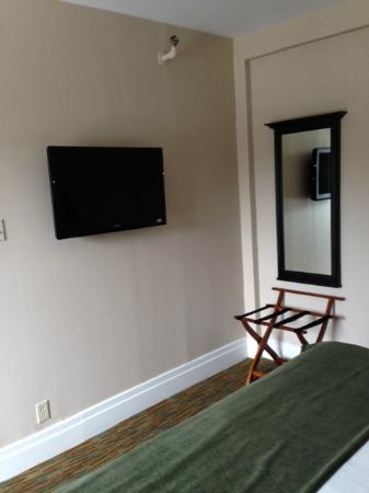 Glynmill Inn: view from bed; smallish TV for distance.