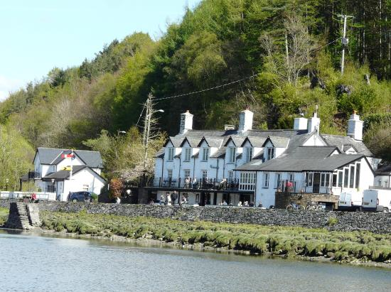 George III Hotel Restaurant: View of the George III from the Mawddach Estuary