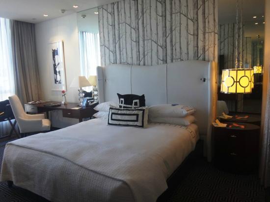 DaVinci Hotel and Suites: Room