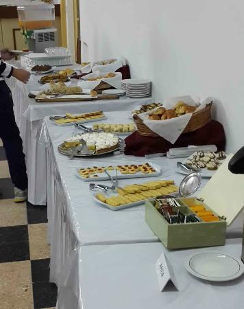 Hotel Morales: Mesa desayuno