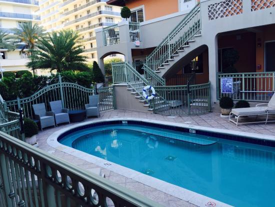 Sun Harbour Boutique Hotel: Pool Area