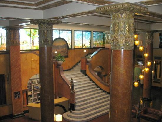 Rodeo, NM: Gadsden Hotel lobby in Douglas, AZ