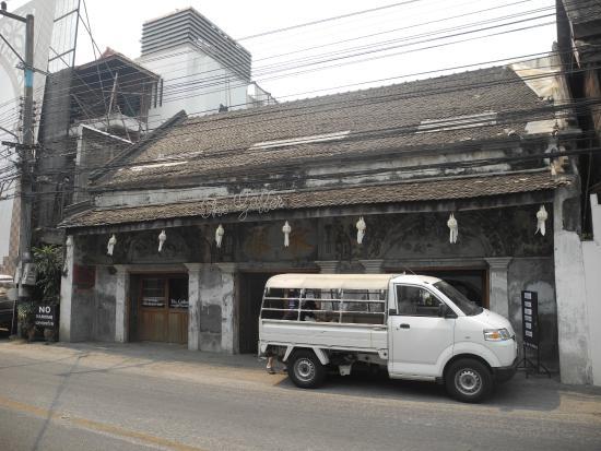 The Gallery: これの奥にレストランがあります。